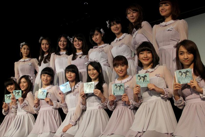 16 member Team J & KIII
