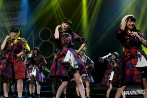 AKB48 © Warningmagz