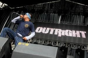outright © Warningmagz