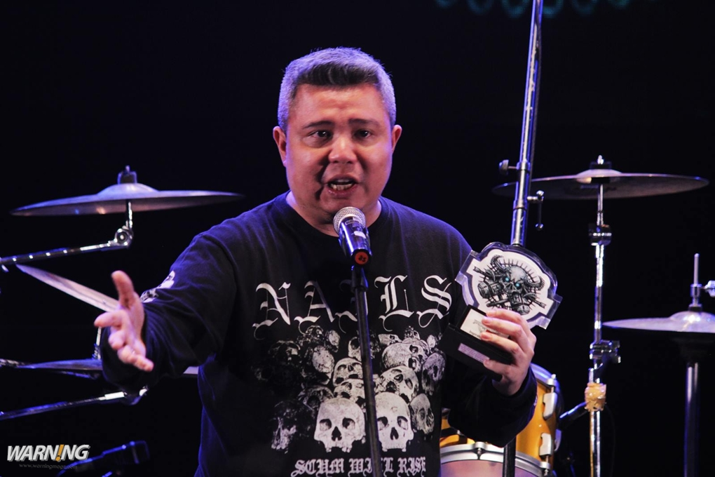 Ricky Siahaan mewakili Seringai terima inspirational award